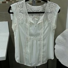Anthropologie lace top Beautiful detailed lace! Pretty blouse for Spring/Summer.  by Meadow Rue. Size is XXS petite but it fits a regular XS. Anthropologie Tops