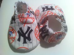 New York Yankees Cloth Baby Booties by saluna on Etsy, $18.00