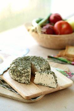 Raw vegan cashew cheese