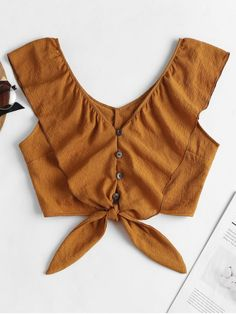 Check Out Most Stylish Blouse Designs For Cotton Saree Teen Fashion Outfits, Trendy Outfits, Fashion Dresses, Cute Outfits, Grunge Look, Grunge Style, Saree Blouse Designs, Blouse Styles, Blouse Patterns
