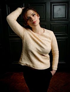 Even in a loose sweater Hayley Atwell's big tits can be seen Hayley Atwell, Hayley Elizabeth Atwell, Peggy Carter, Celebrity Magazines, Hollywood, Marvel, Classic Beauty, Woman Crush, Beautiful Actresses
