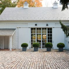 ***** The feeling of a carriage court/circle to link the carriage house and main house