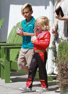 Gwen Stefani takes her boys Zuma and Kingston out for frozen yogurt in Los Angeles (Today)