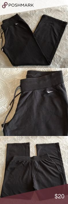 "Women's Nike Sweatpants Gently preloved black women's Nike workout pants. Straight leg. Size medium. Waist 29"" but also elastic and drawstring. Inseam 30"". No trades. See free gift listing. 🎁 Nike Pants Straight Leg"
