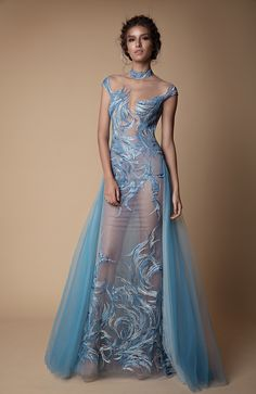 Berta 2018 Evening Dress Collection You've seen the sexy yet sweet Muse by Berta 2018 wedding dress collection, now here's Berta's Fall/Winter 2018 evening line of ball gown, f Modest Dresses, Elegant Dresses, Sexy Dresses, Evening Dresses, Fashion Dresses, Prom Dresses, Bridal Dresses, Designer Evening Gowns, Mode Glamour