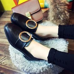 2017 New Fashion Round Head Leather Single Shoes Round Buckle Women's Shoes Casual Loafers Shoes