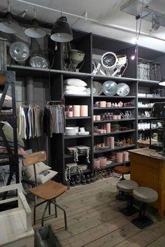 De Weldaad for vintage furniture, in Jordaan area, Amsterdam #seeamsterdam #houseandgarden