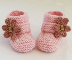 ***NO shipping charge for this item as it is a PDF file. All files are emailed out within 24 hours of payment.Baby slippers love the pattern and neutral color Baby Knitting Patterns, Knitting For Kids, Baby Patterns, Baby Shoes Pattern, Knit Baby Booties, Crochet Baby Shoes, Knitted Baby, Booties Crochet, Baby Bootees
