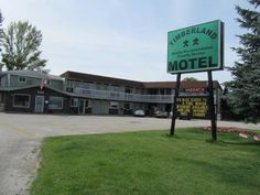 Timberland Motel Dryden (Ontario) A microwave and a fridge are featured in each guest room at this Dryden motel.  Free Wi-Fi is provided in all areas.  Dryden Regional Airport is 11 km away.  A flats-screen TV and a DVD player are included in all rooms at Timberland Motel.