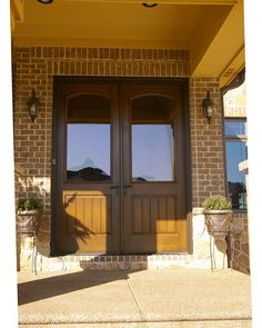 How many ways can you style a Therma-Tru entry? Browse our inspiration photo gallery for great ideas.