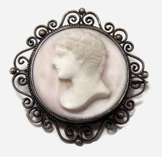 Victorian Cameo Brooch Pink Conch Late Victorian Cameo