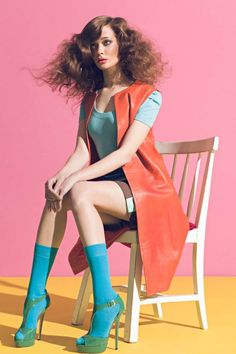 fashion photography poses which look stunning. Image Fashion, Foto Fashion, Colorful Fashion, Trendy Fashion, High Fashion, Street Fashion, Fashion Trends, Blue Fashion, Cheap Fashion