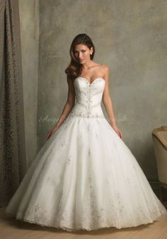 Organza Ball Gown Sweetheart Sleeveless Chapel Train With Applique Wedding Dress