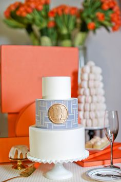 Principal Planner is a Canadian Wedding & Event Planning Firm in Montreal. Horse Wedding, Hermes Orange, Hermes Box, Horse Cake, Cakes For Women, Orange Wedding, Bridal Shower Rustic, Piece Of Cakes, Themed Cakes
