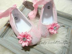 Pink Lace Baby Girl ShoesCrib ShoesInfant by babyScarlettBoutique, $16.50