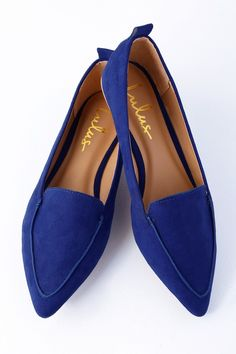 Adds sophisticated flair to every ensemble with the Emmy Blue Suede Pointed Loafers! These vegan suede flats have a pointed toe upper, and a notched collar. Pointed Loafers, Blue Loafers, Women's Loafer Flats, Black Flats Shoes, Suede Loafers, Flat Shoes, Fall Flats, Blue Suede, Shoe Boots
