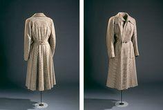 Damefrakke i uld stor vidde i underdelen.