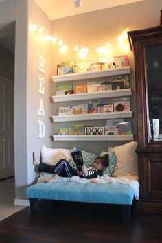 family room decor ideas # Informations About Familie Zimmer Dekor Ideen Reading Nook Kids, Reading Areas, Kids Reading Corners, Childrens Reading Corner, Reading Time, Family Room Decorating, Toy Rooms, Big Girl Rooms, Big Boy Bedrooms