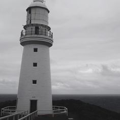 This is the Cape Otway Lightstation in Peterborough in Victoria. Standing 40m tall this lighthouse is known as the oldest lighthouse in Australia. Beautiful. #lighthouse #Lightstation #capeotway #peterborough #victoria #Australia #Australiatravel #travelgram #blackandwhite #blackwhite #architecture #GreatOceanRoad #greatoceantravel #holiday #travel #instatravel by lemonfilmblog