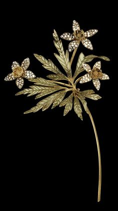 Lalique 1900 'Anemone Flowerheads' Brooch: yellow gold/ green translucent enamel/ three diamonds | tumblr.com