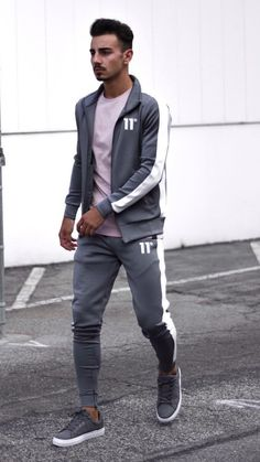5 Joggers Outfits For Men. RoupasBlog De Moda MasculinaTendências ... dc57234e30f