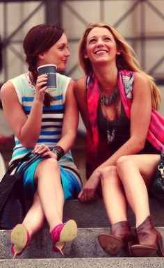 Best Friends  Blair Waldorf (Leighton Meester) & Serena Van Der Woodsen (Blake Lively)