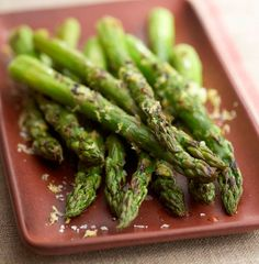 A trip to one of Seattle's Farmer's Markets and delicious grilled asparagus recipe.