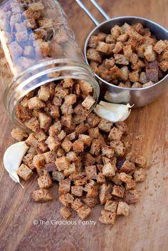 Clean Eating Garlic Rosemary Croutons Recipe ~ https://www.thegraciouspantry.com