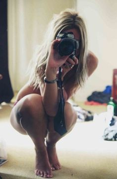 it is so much better to take pictures when you are naked ! not of yourself but just pictures !