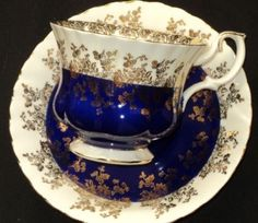Wouldn& you feel regal drinking tea from this Royal Albert Cobalt Gold bone china cup? Tea Cup Set, My Cup Of Tea, Tea Cup Saucer, Tea Sets, Café Chocolate, Cuppa Tea, China Tea Cups, Teapots And Cups, High Tea