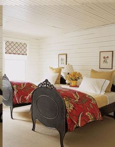Twin bed in a guest bedroom is my favorite. Beautiful Bedrooms, Beautiful Homes, House Beautiful, Beautiful Beds, Beautiful Kitchen, Home Bedroom, Bedroom Decor, Bedroom Table, Bedroom Red