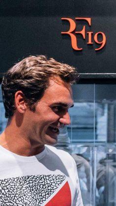 Roger Federer and Nike - 19 Grand Chelem
