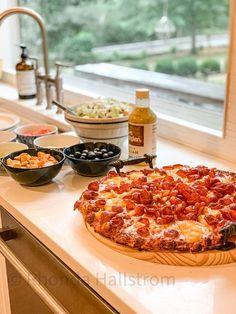 Family Pizza Night at Home |family night|pizza night|family pizza night ideas|elegant pizza night|easy pizza night ideas|family night fun|HallstromHome