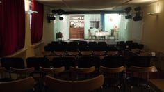 """Bühne zu """"Frühstück bei Kellermanns""""  im studio des AuGuSTheater (Silcherstraße 2)"""