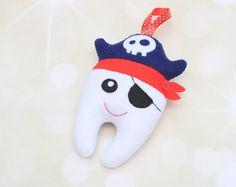 Bolso de hadas pirata hada de los dientes del diente almohada Keeper diente chico diente almohada hada de los dientes bolsa diente perdido dentista regalo fieltro regalo de dientes niño