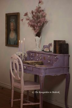 The ROSE GARDEN in Malevik: Desk painted in Emile Chalk Paint® Decorative Paint by Annie Sloan... This blog is a *must visit!*