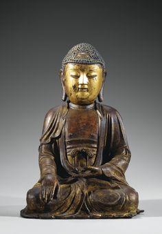 A LACQUER-GILT BRONZE FIGURE OF SHAKYAMUNI BUDDHA, MING DYNASTY.