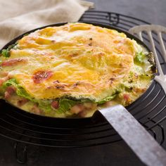 Découvrez la recette Tartiflette au chou vert sur cuisineactuelle.fr.