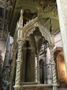 Baldacchino gotico della cattedra episcopale.  1375-1400