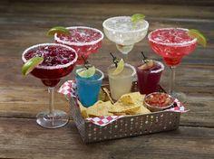 Air Mexico : trois mini Margarita composées d'ingrédients aux choix : baies sauvages, grenade, pastèque, Curaçao bleu, mangue ou concombre