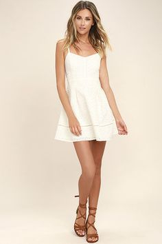 0f94d77bc763 Little White Dresses|Long & Short White Dresses for Juniors Brudklänningar,  Klänningar, Kläder