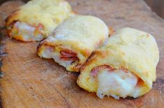 Cannoli di patate prosciutto e mozzarella. No Salt Recipes, Sweet Recipes, Cooking Recipes, I Love Food, Good Food, Aperitivos Finger Food, Finger Food Appetizers, Cannoli, International Recipes
