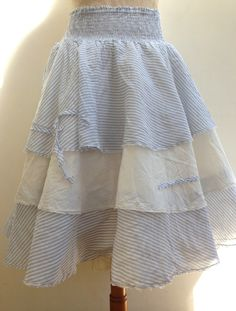 THIS IS A LOVELY SUMMER SKIRT JUST FANTASTIC.ONLY 1 LEFT....!!!! ONE SIZE.
