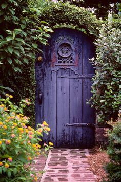 Nice old  garden gate, love that it's purple!