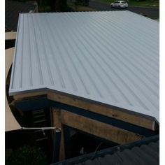 For more choices on roof sheeting materials, head to http://www.metalroofingonline.com.au/en/76-kliplok-colorbond-roofing-and-cladding.html.