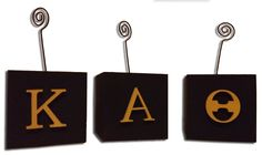 Kappa Alpha Theta Photo Cubes.  Alisha from Columbia created these for her little sister.  So simple but so elegant.  DIYGreek.com