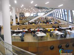 Знания полученные в Венском Экономическом университете помогают строить блестящую карьеру.Свои знания и навыки здесь получали нобелевские лауреаты и крупнейшие бизнесмены мира.