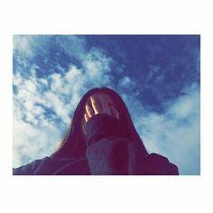 🎈Buenas tardes pasajeros mi intención no es molestar pero quería recomendarles que sigan a _SheLunatic_ para ver mas como esto y demás 7w7🎈(muak) <3 <3 Teen Girl Photography, Shadow Photography, Portrait Photography Poses, Photography Poses Women, Tumblr Photography, Girl Photography Poses, Selfie Photography Ideas, Profile Pictures Instagram, Instagram Pose