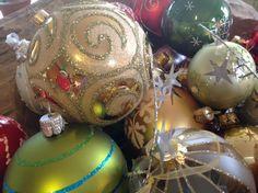 Can you see me? Christmas Bulbs, Christmas Decorations, Holiday Decor, Ideas, Home Decor, Decoration Home, Christmas Light Bulbs, Room Decor, Christmas Decor