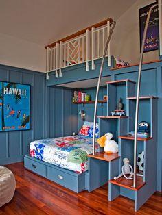 verspielte möbel kiderzimmer für jungen-etagenbett treppen zedernholz-boden